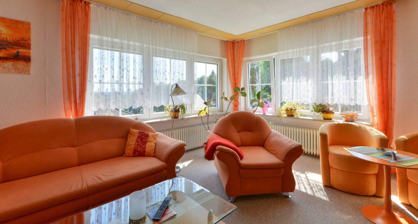 Schades Wohlfühlhotel Ferienwohnung Wohnzimmer Obergeschoss